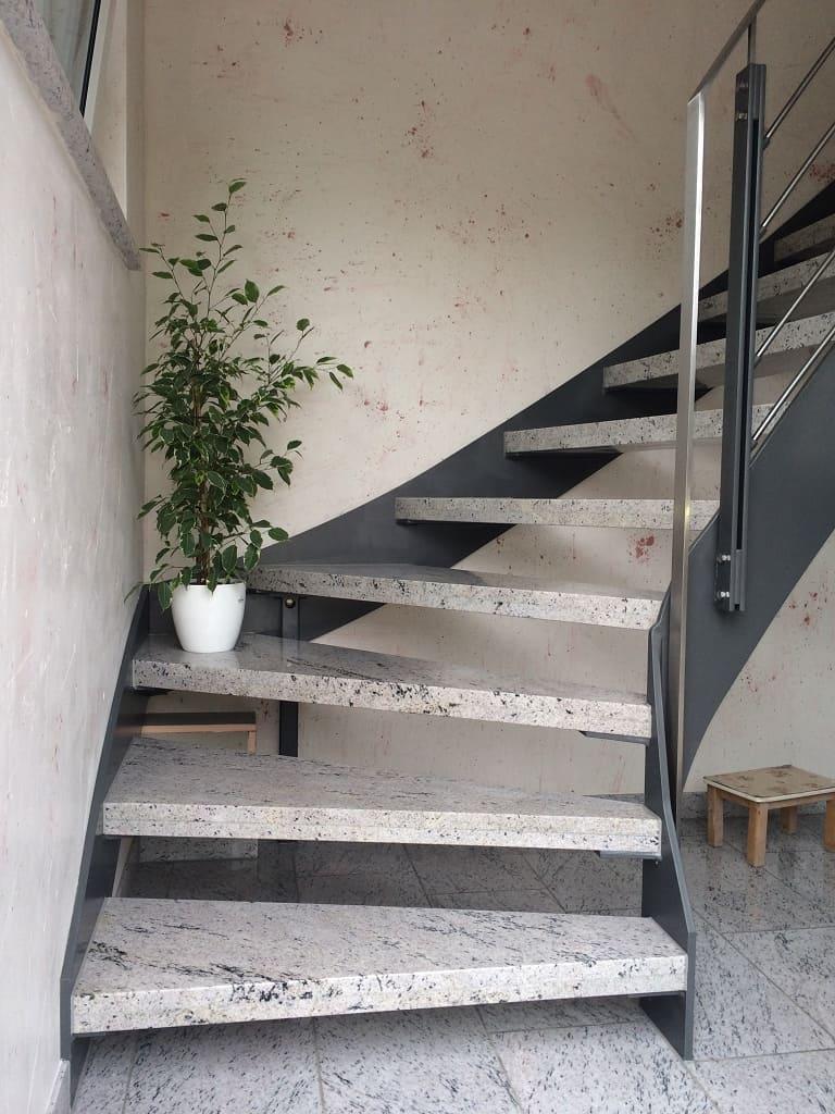 metallbau schmutzler treppen aus stahl im innenbereich metallbau schmutzler. Black Bedroom Furniture Sets. Home Design Ideas