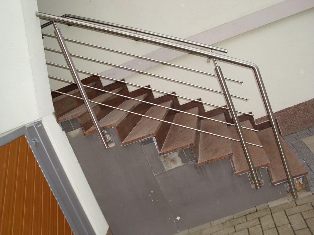 Metallbau Schmutzler_Treppen- und Podestgeländer außen (16)