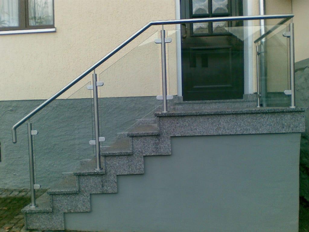 Metallbau Schmutzler_Treppen- und Podestgeländer außen (5)