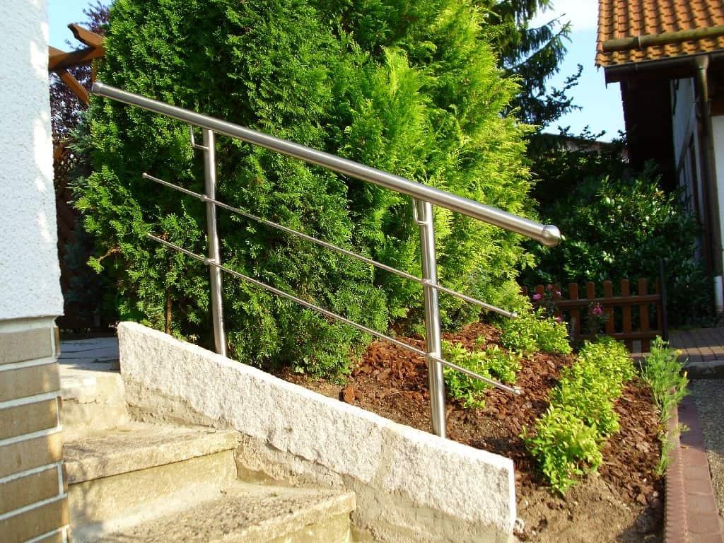 Metallbau Schmutzler_Treppen- und Podestgeländer außen (6)