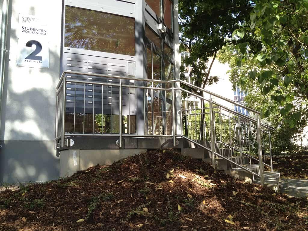 Metallbau Schmutzler_Treppen- und Podestgeländer außen (7)