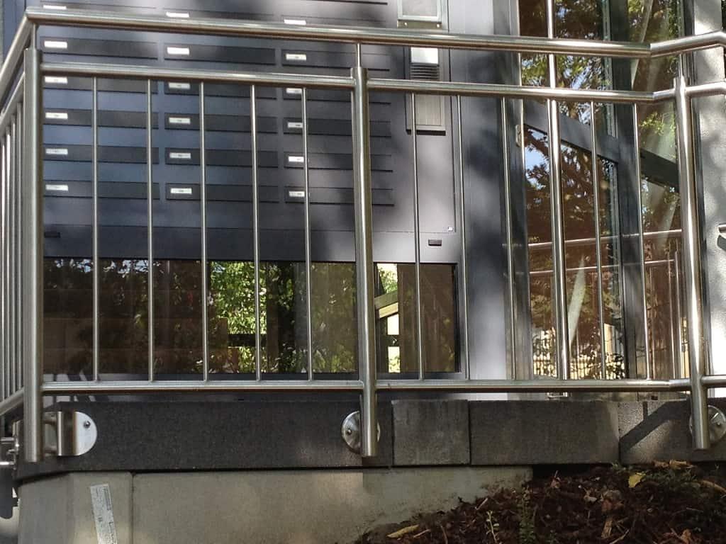 Metallbau Schmutzler_Treppen- und Podestgeländer außen (9)