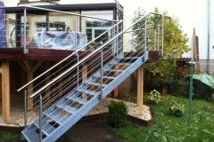 Metallbau Schmutzler_Treppen- und Podestgeländer außen (10)