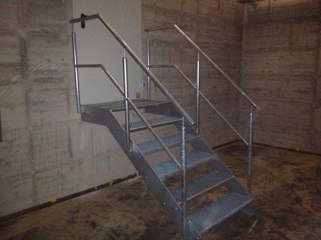 Metallbau Schmutzler_Treppen innen (3)