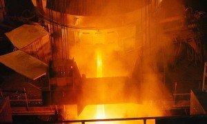 Metallurge für die Stahlerzeugung