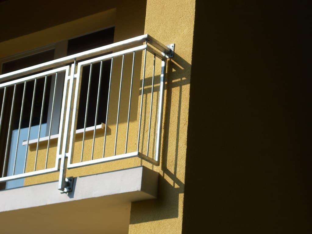 metallbau schmutzler balkongel nder aus stahl metallbau. Black Bedroom Furniture Sets. Home Design Ideas