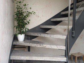 Treppen aus Stahl im Innenbereich