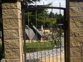Zäune und Tore aus Edelstahl