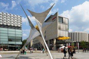 Edelstahlskulptur in der Dresdener Altstadt